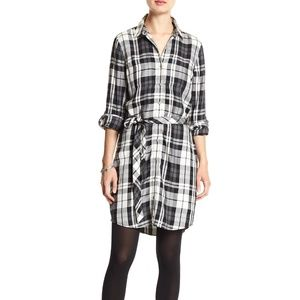 Banana Republic black and white plaid shirtdress